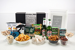 pr sentkorb mit bier snacks geschenke f r m nner. Black Bedroom Furniture Sets. Home Design Ideas