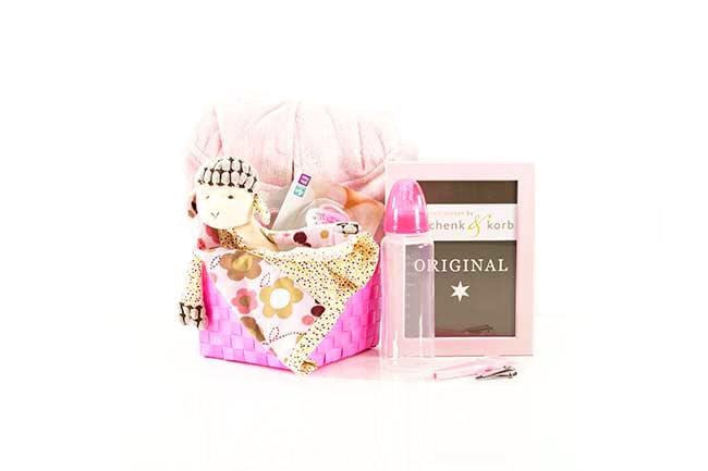 Baby Geschenkkörbchen für kleine Mädchen