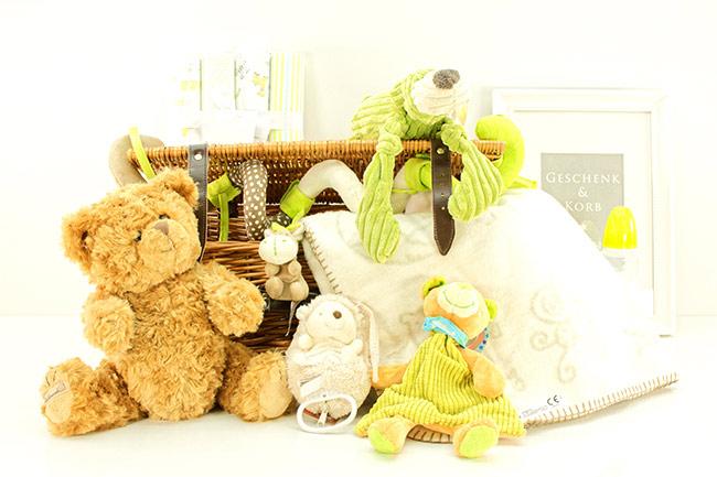 Baby Geschenkkorb mit Teddy online versenden lassen