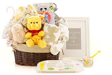 SPIELSPASS MIT WINNIE POOH Baby Geschenkkorb
