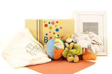 baby geschenke babygeschenke geschenksets windeltorten. Black Bedroom Furniture Sets. Home Design Ideas