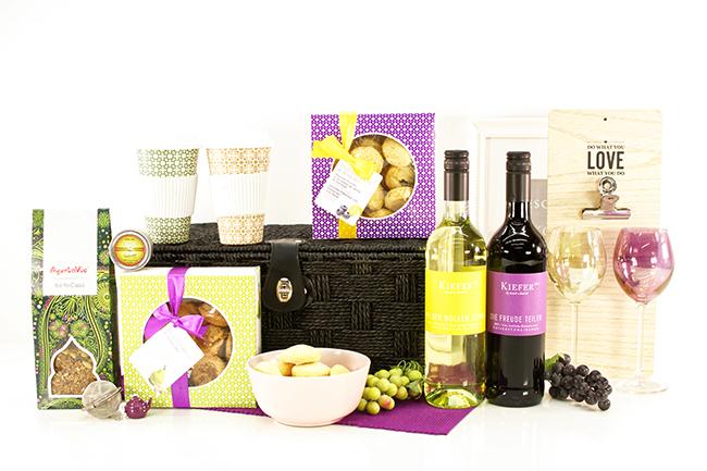 Frauengeschenk mit Noteboard und Wein uvm.