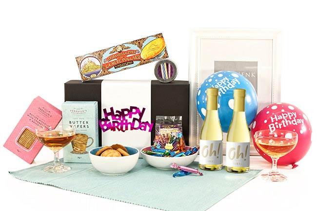 Sekt und Gebäck - Geschenke zum Geburtstag