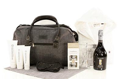 Online Shop WEEKENDER Reisetasche als Geschenkkorb