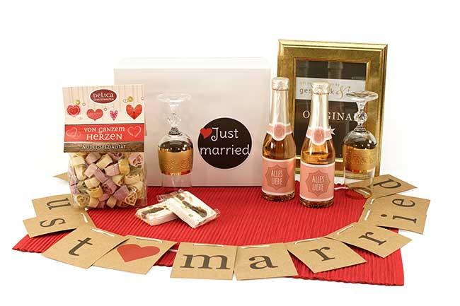 Hochzeitsgeschenke JUST MARRIED Geschenkversand