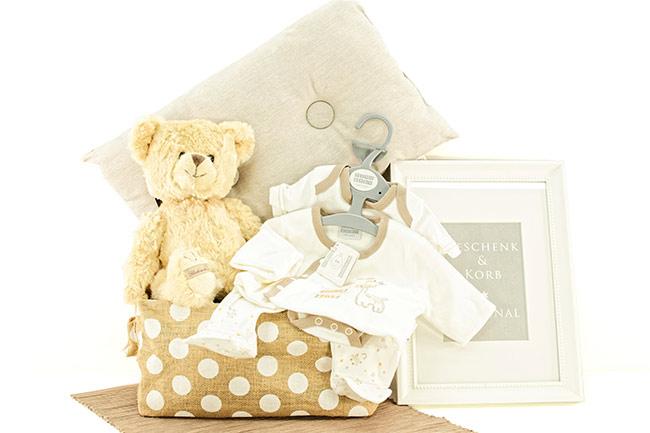 Für kleine Babys GESCHENKKORB NEUTRAL bestellen