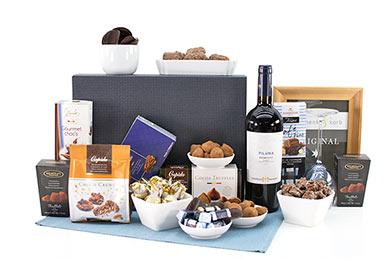 PILUNA Geschenkkorb mit Primitivo und Schokolade